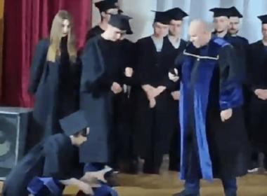 «350 долларов заплатил», - в николаевской «могилянке» студент заявил на вручении дипломов, что купил его