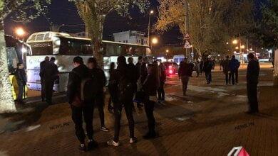 Студенты николаевской «могилянки» вместо пар отправились со сторонниками Порошенко на дебаты в Киев   Корабелов.ИНФО image 3