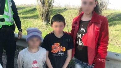 На трассе Херсон - Николаев нашли двоих детей, которых похитила 18-летняя девушка | Корабелов.ИНФО