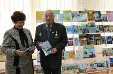 справа - Анатолий Андрейченко
