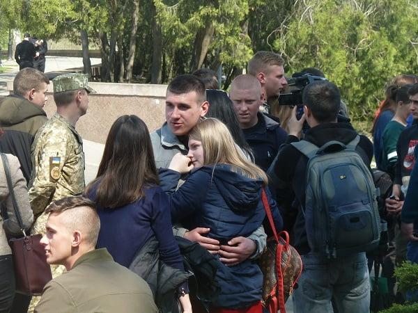 Photo of Юнаків весняного призову з Миколаєва почали відправляти на строкову військову службу