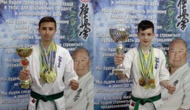 В. Ласинский и Д. Артамонов