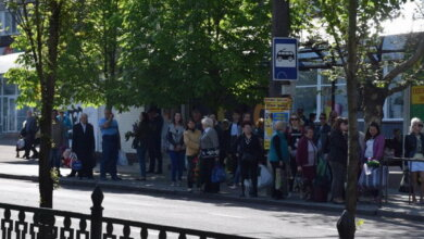 Photo of Со скандалом и полицией жители Корабельного района уезжают домой