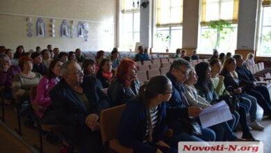 Мэр Сенкевич проигнорировал встречу с родителями учеников аварийной школы в Корабельном районе   Корабелов.ИНФО