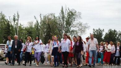 «Миколаїв – це Україна»: николаевцы прошлись масштабным шествием по случаю Дня вышиванки   Корабелов.ИНФО