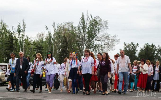 Photo of «Миколаїв – це Україна»: николаевцы прошлись масштабным шествием по случаю Дня вышиванки