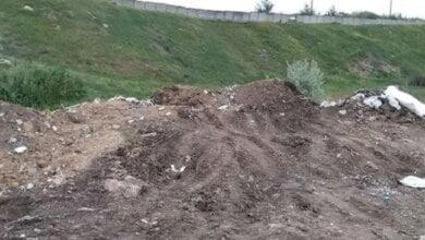 Дільничні зловили миколаївця, що незаконно вивантажував з автомобіля ЗІЛ будівельне сміття у Корабельному районі   Корабелов.ИНФО