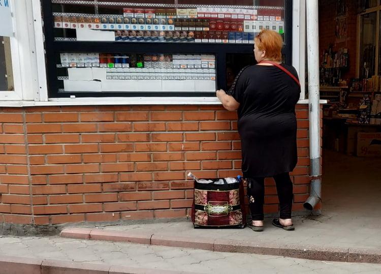 Photo of Контрабандный товар в Корабельном районе: на рынке торгуют сигаретами без акцизных марок