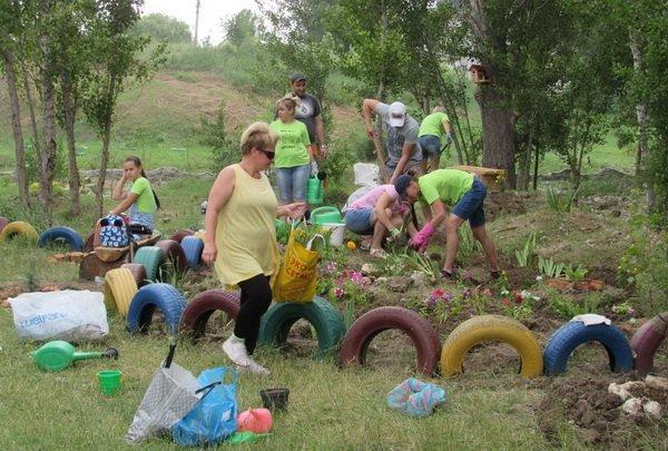 Photo of «Это громада!»: взрослые, школьники и даже детсадовцы помогают «оживить» территорию у знаменитого источника в Корабельном районе