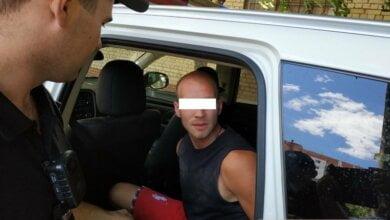 Photo of Патрульные в Николаеве задержали грабителя, бежавшего им навстречу с женской сумкой в руке