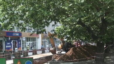 Насыпь грунта - на тротуар: в Корабельном районе ремонтируют теплотрассы   Корабелов.ИНФО