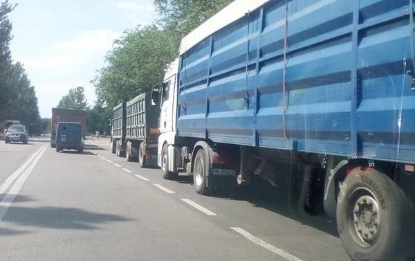 Photo of Запрет на въезд в Николаев для большегрузов в часы пик воплотят только через два месяца