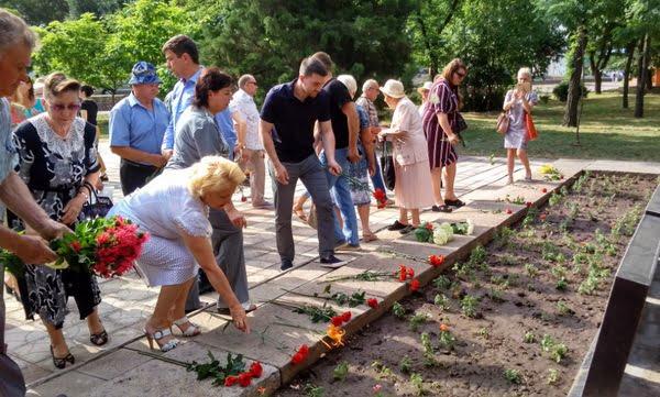 Photo of День скорботи: у Корабельному районі вшанували пам'ять мільйонів жертв Другої світової війни