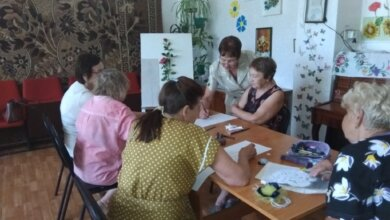Арт-терапія: у Корабельному районі пенсіонери лікуються мистецтвом | Корабелов.ИНФО