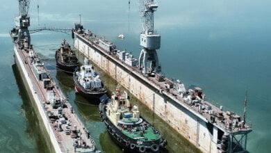 Судостроительный завод «Океан» спустил на воду три отремонтированных буксира (ВИДЕО) | Корабелов.ИНФО image 1