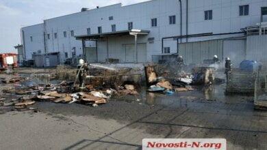 Горела картонная тара: на площадке у супермаркета «Таврия» в Корабельном районе возник пожар   Корабелов.ИНФО