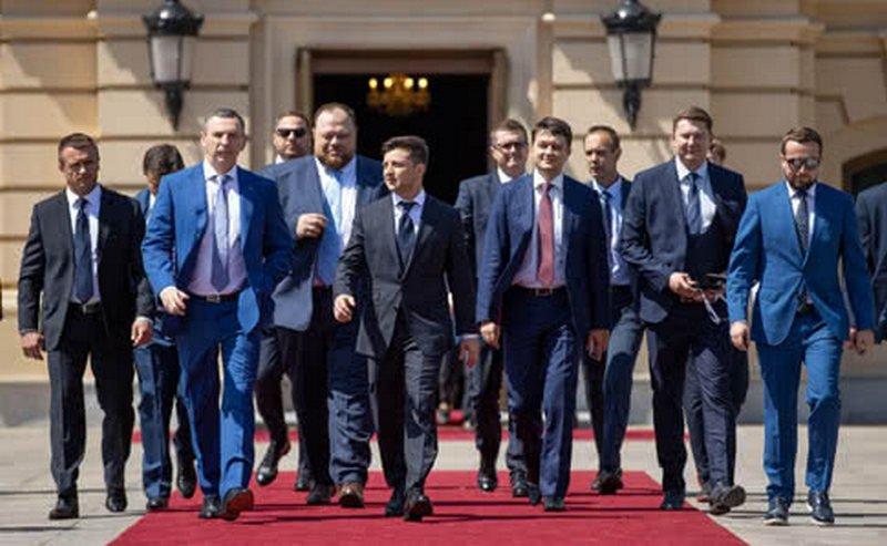 Photo of Партия «Слуга народа» потратила на избирательную кампанию 114,65 млн грн