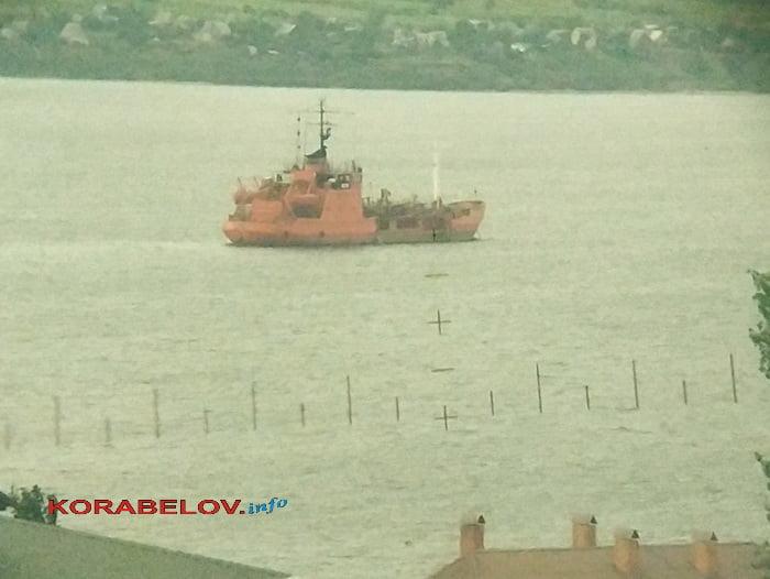 """Photo of """"Речка воняет, рыба дохнет, никто не реагирует"""", – в Корабельном р-не возмущены возобновившимся загрязнением местной акватории (ВИДЕО)"""