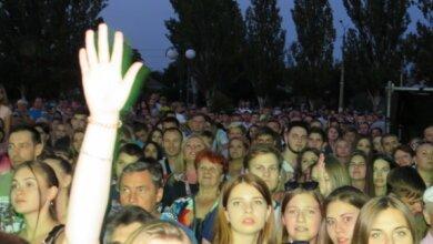 Photo of Шикарный концерт Бабкина в Корабельном районе еще больше сплотил большую семью николаевцев (ВИДЕО)
