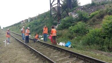 Photo of Прибирання зупинок, обрізка та знесення аварійних дерев: про санітарне очищення Корабельного району з 15 по 19 липня
