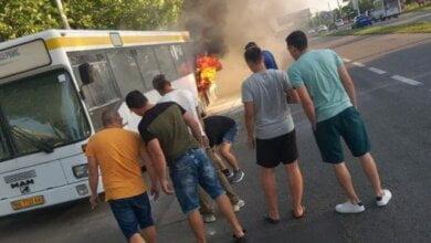 Photo of В Корабельном районе на ходу загорелся пассажирский автобус (ВИДЕО)