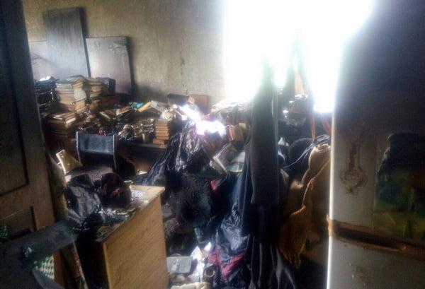 Photo of Курение убивает: во время пожара в квартире на пр. Богоявленском погиб мужчина