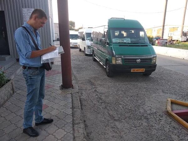 Photo of Медичний та технічний огляд водії проходили в салоні авто… Мерія знов перевірила миколаївські «маршрутки»