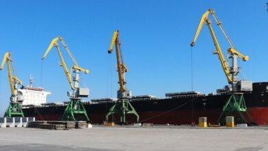 В СМП «Ольвия» пришвартовалось самое большое судно, которое порт принимал в своей акватории с начала года | Корабелов.ИНФО image 1