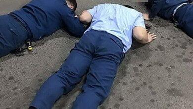 Photo of Сотрудники СБУ и ГБР задержали руководство николаевского таможенного поста «Константиновка» за вымогательство взятки