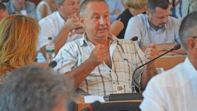 в центре - депутат Концевой