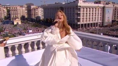 Тина Кароль на крыше и зажигательный рэп: исполнение Гимна в Киеве превратили в перформанс (видео) | Корабелов.ИНФО