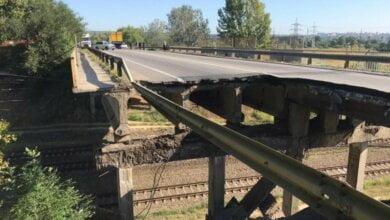 В Харькове обрушился автомобильный мост (видео)   Корабелов.ИНФО