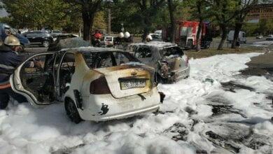 На проспекте Богоявленском в Николаеве сгорело два автомобиля (Видео) | Корабелов.ИНФО image 2