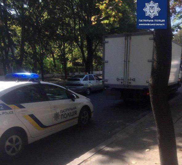 Photo of Водитель-нарушитель ПДД пытался дать николаевским патрульным взятку 200 гривен
