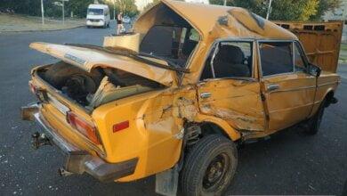 Photo of В Николаеве мусоровоз протаранил «Жигули» — пострадал 7-летний ребенок