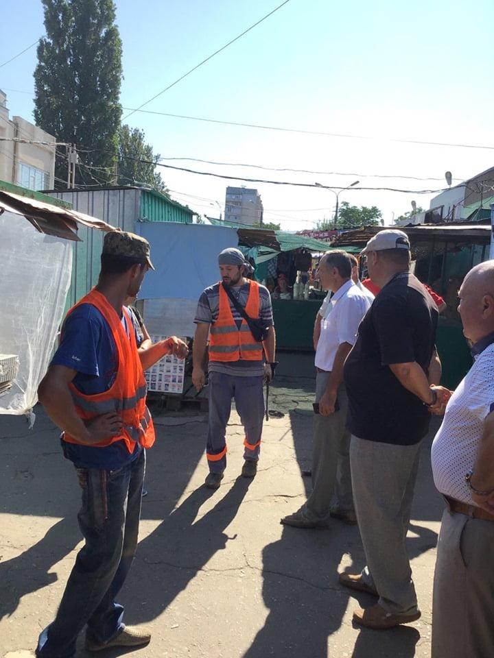 """Photo of Рынок """"Феникс"""" в Корабельном районе будет демонтирован из-за аварии на канализационном коллекторе"""