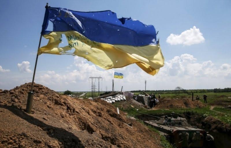Photo of На Донбассе в результате обстрелов боевиков 11 августа ранен украинский военный
