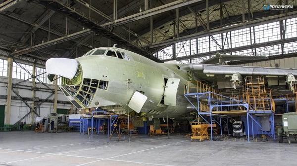 Photo of На авиаремонтном заводе в Корабельном районе ремонтируют бомбардировщик Су-24М и разведчик Су-24МР