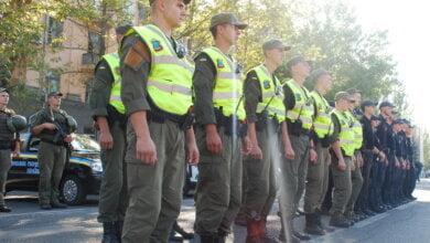 Зі штатною зброєю, спецзасобами та планшетами: миколаївські гвардійці приступили до самостійного патрулювання міста | Корабелов.ИНФО image 4