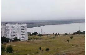 В Николаеве штурмовик на малой высоте пролетел возле домов, напугав местных жителей (видео) | Корабелов.ИНФО