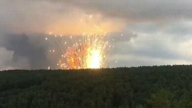 В России горят военные склады с боеприпасами. Слышны взрывы. Идет эвакуация (видео) | Корабелов.ИНФО