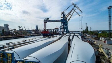 «Конструктор для взрослых»: завод «Океан» разгружает суда с составными частями ветряков   Корабелов.ИНФО image 4