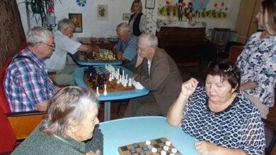 Photo of Отримали задоволення від гри та спілкування: у Корабельному районі відбувся турнір по шахам та шашкам серед пенсіонерів