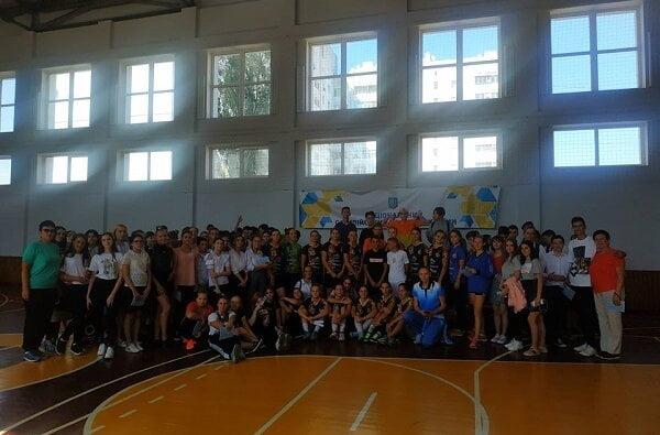 Показали майстер-клас: професійні гандболістки провели урок з ліцеїстами Корабельного району   Корабелов.ИНФО image 3
