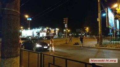В Николаеве водитель ударил ногой в голову пьяного пешехода, спровоцировавшего ДТП   Корабелов.ИНФО