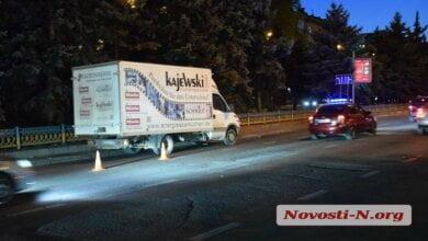 В Николаеве грузовик сбил женщину с ребенком на переходе | Корабелов.ИНФО