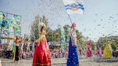 С масштабного выступления и гала-парада в Николаеве стартовало празднование 230-летия города | Корабелов.ИНФО image 2