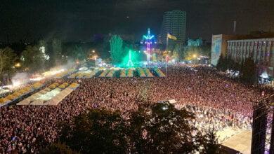 Photo of Николаевцы с «Мозгами» отметили День города на Соборной площади масштабным концертом