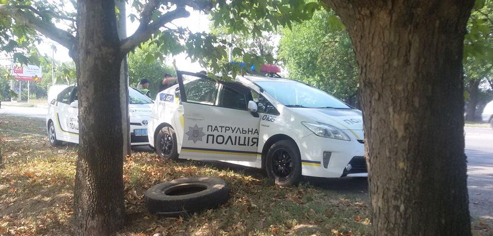 Photo of «Полиция новая, замашки старые», — николаевцу нахамили и угрожали патрульные на перегоне