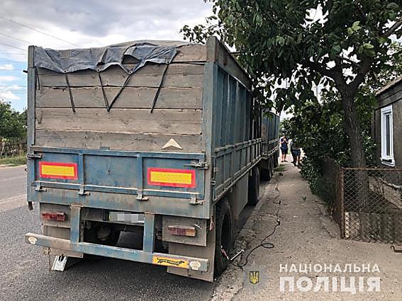 Photo of В Корабельном районе отвалившееся от «фуры» колесо тяжело травмировало пенсионера